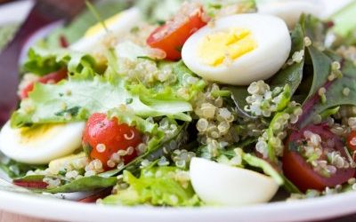Ensalada de Quinoa con Huevo Duro